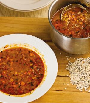 Soupe épicée aux carottes et à l'orge