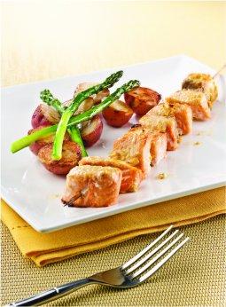 Brochettes de saumon marinées au citron