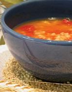 Soupe à l'orge et tomates