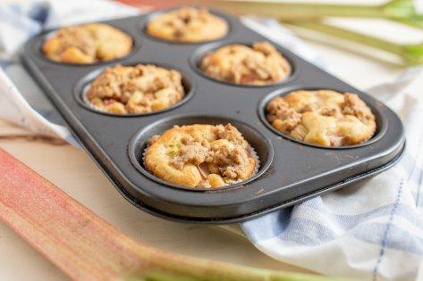 Muffins son d'avoine et rhubarbe