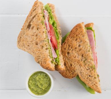 Sandwich jambon pesto